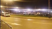 """Контролирано взривяване на """"бомба"""" - чанта с дрехи на Лъвов мост, София"""