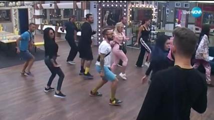 """Съквартирантите подготвят танца си за мюзикъла """"Ах, този Джизъс!"""""""
