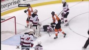 Хокеисти се бият на Макс