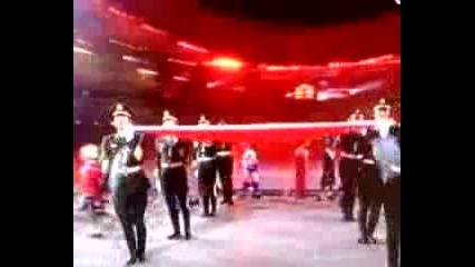 Олимпийските Игри - Малко Момиченце Пее