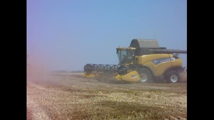 New Holland vs. Claas Lexion
