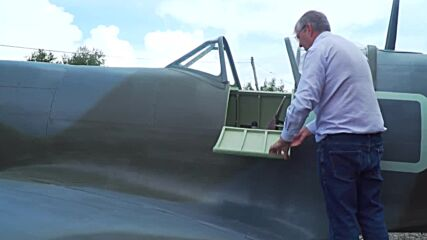 Enthusiast builds full-size replica of Spitfire warplane in his backyard