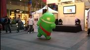 Android Човечето подивява на Техно
