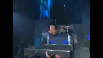 Jeff Hardy Прави Бомбата на Лебеда