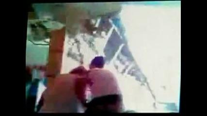 Четирима души пострадаха при срутване на покрив на мол в Канада