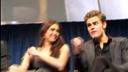 Ian хапи ръката на Nina [ Vampire Diaries ]