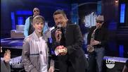 Justin Bieber съблазнява възрастна жена ( смях )