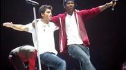 ( смешно ) Joe Jonas and Jman Musical Chair Dance