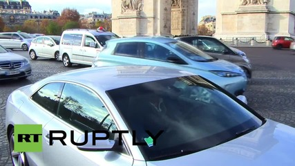 France: Parisians observe moment of silence at Arc de Triomphe