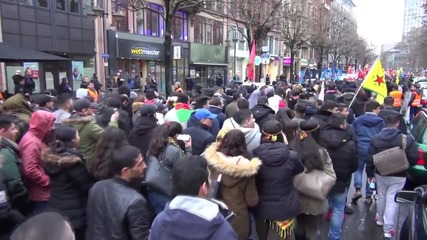 Germany: Pro-Kurdish protesters march through Frankfurt