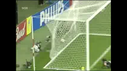 Adriano Vs Argentina (2)