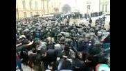 Потресаващи кадри от сблъсъците пред Народното събрание 14.01.09