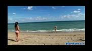 Кълчат се на плажа