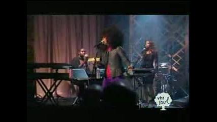 Erykah Badu - Me