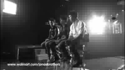 Jonas Brothers - Walmart Soundcheck Preview
