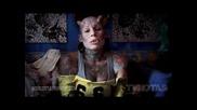 Жената Вампир с импланти и опреции на зъбите тя напуска работа и става вампир