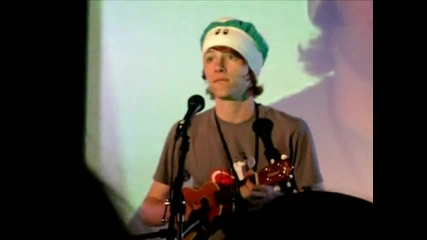 Charlieissocoollike; Charlie Mcdonnell - A Song About Monkeys - Vidcon