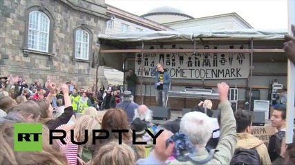 Denmark: Tens of thousands gather in support of refugees