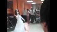 Eli - pee na svatbata si