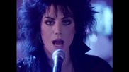 Joan Jett And The Blackhearts - I Hate Myself For Loving You ( Превод )