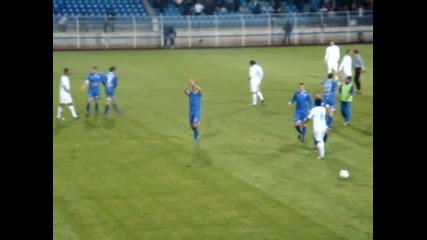 Xеро поздравява футболистите и феновете на Левски