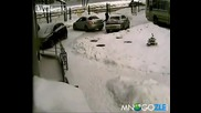 Две жени паркират (смях)
