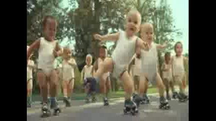 Michael Jackson - Beat It (babies dancing)