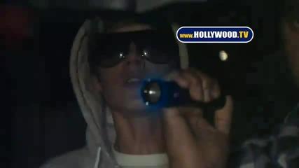 Папараците отново не оставят намира Justin Bieber!