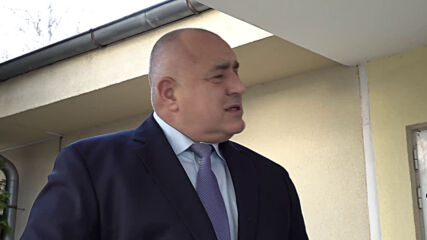 """Премиерът Бойко Борисов посети центъра за разпределение на пациентите с COVID-19 в """"Света Анна"""""""