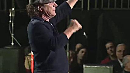 Били Джоел и Брайън Джонсън - You Shook Me All Night Long