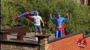 Смях! Най - добрите скрити камери със супергерои