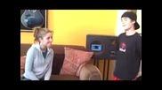 Малко Момченце Пее With U На Chris Brown