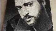 Художник рисува с много пирони и конец портрет на Джъстин Тимбърлейк