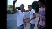 Безпорен по стадионитe х и т после Левски били най - обичания отбор ... да бе да ;)
