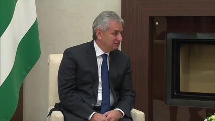 Russia: Putin meets Abkhazian President Khajimba to strengthen relations