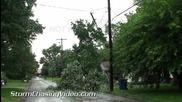 Щетите след буря в Върнън , Илинойс 7.7.2014