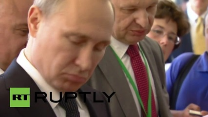Russia: Putin visits first Red Square book fair in 100 years