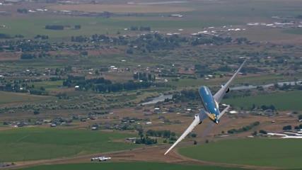 Вижте вертикалното излитане на Boeing 787-9 Dreamliner !