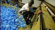 Скейтбординг през 5001 балона!