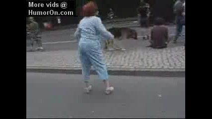 Танцуваща Баба