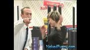 Голи И Смешни - Скрита Камера Изненада В Телевизора ( Супер Качество )
