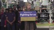 USA: Clinton takes aim at Wall Street during Detroit rally