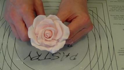 Как се правят розички за торта от фондан