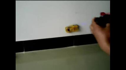 Кола Която Се Катери По Стена