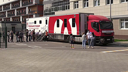 Russia: Donors line up to donate blood for victims of Kazan school attack