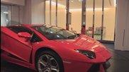 Как се паркира Lamborghini в хола !