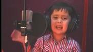 Дете на 4 години със Страхотен Глас и Талант 2013