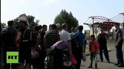 Hungary: Refugees transferred from Serbia to Hungary under heavy military presence