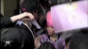 Nicki Minaj кълне на сцената и го глобяват с $au10
