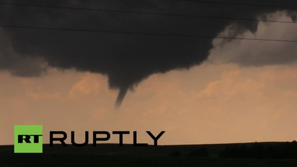 Образуване на голямо торнадо в Тексас